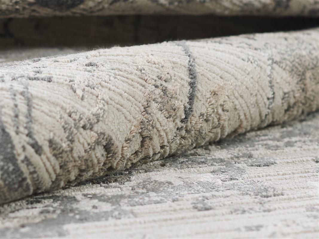 Momeni Cambridge CMB-1 Traditional Charcoal Area Rug